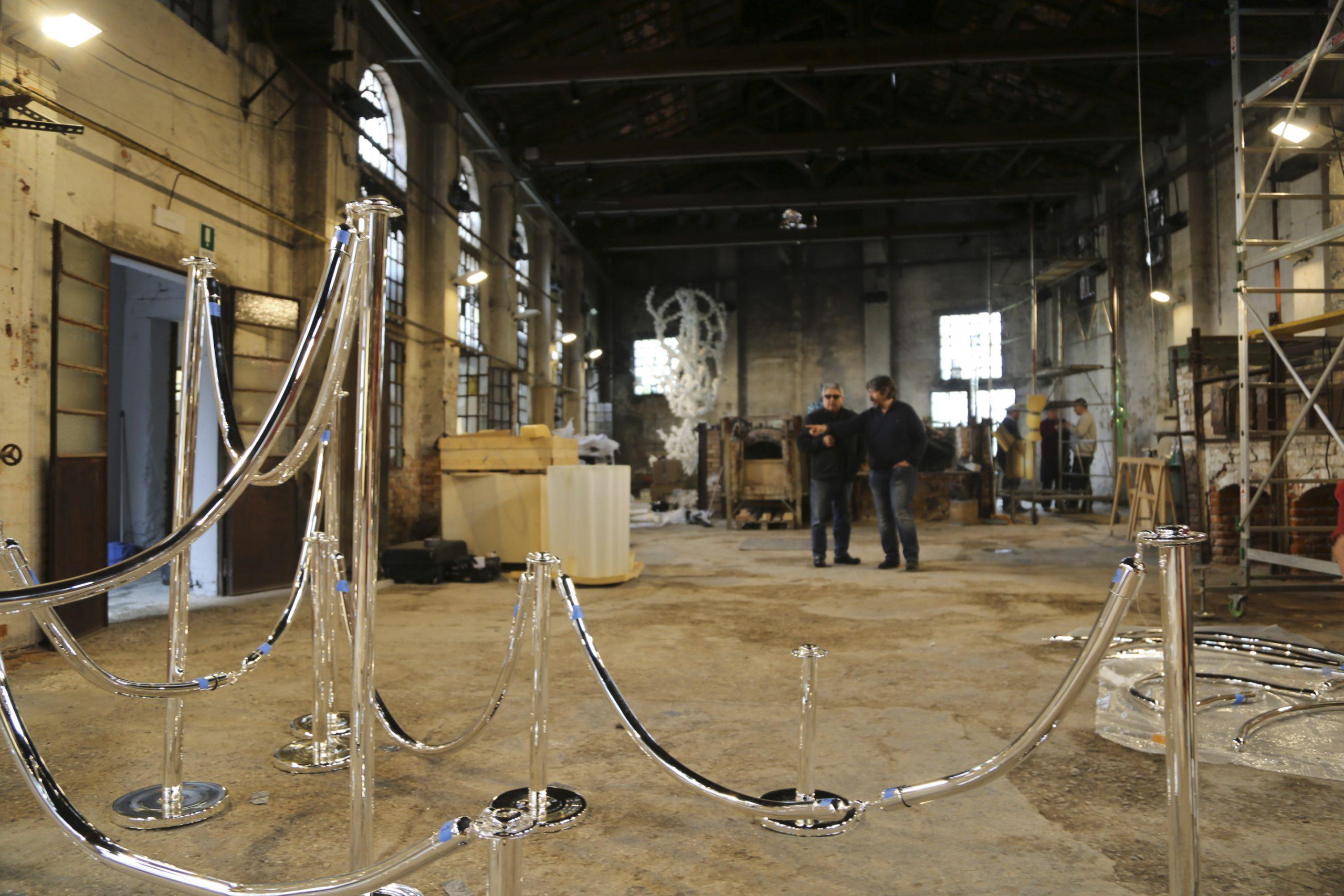 Adriano Berengo and Koen Vanmechelen in Fondazione Berengo Art Space
