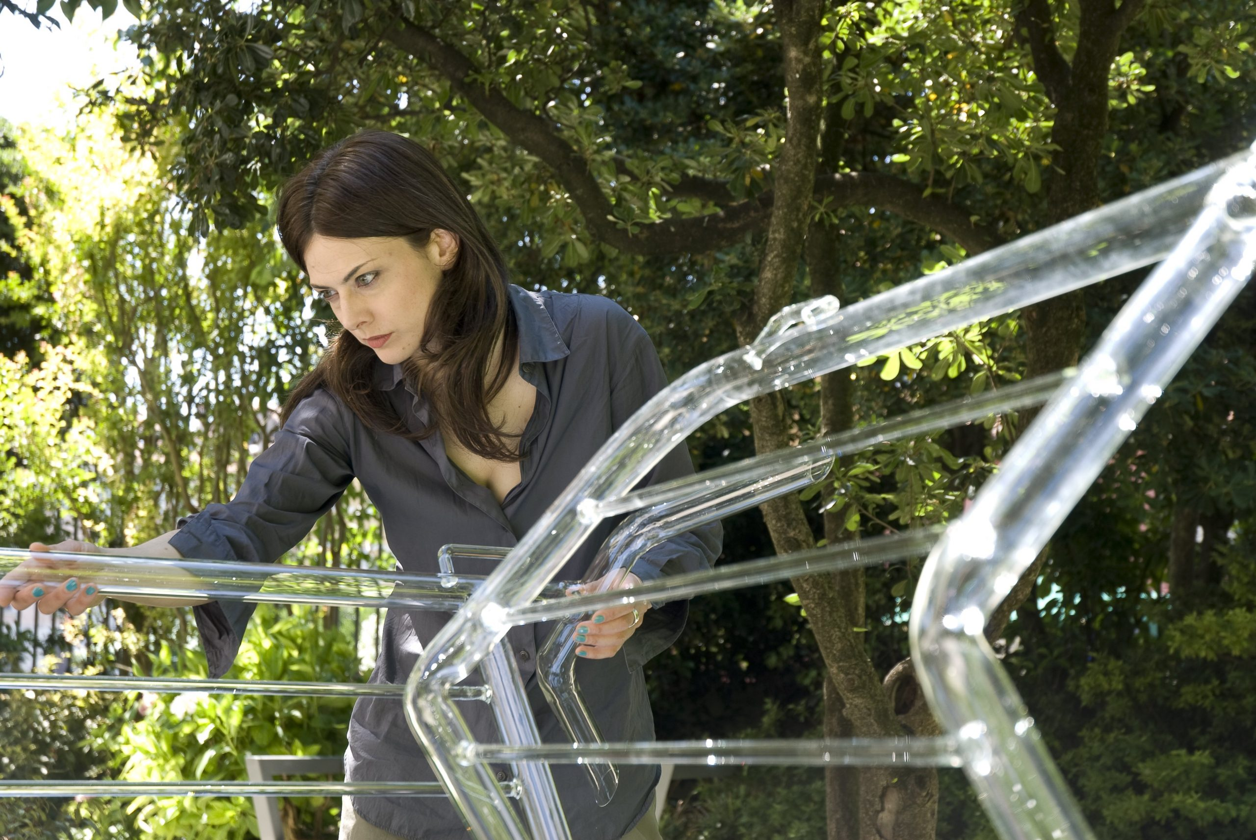 Bettina Pousttchi installing her work at Glasstress 2009