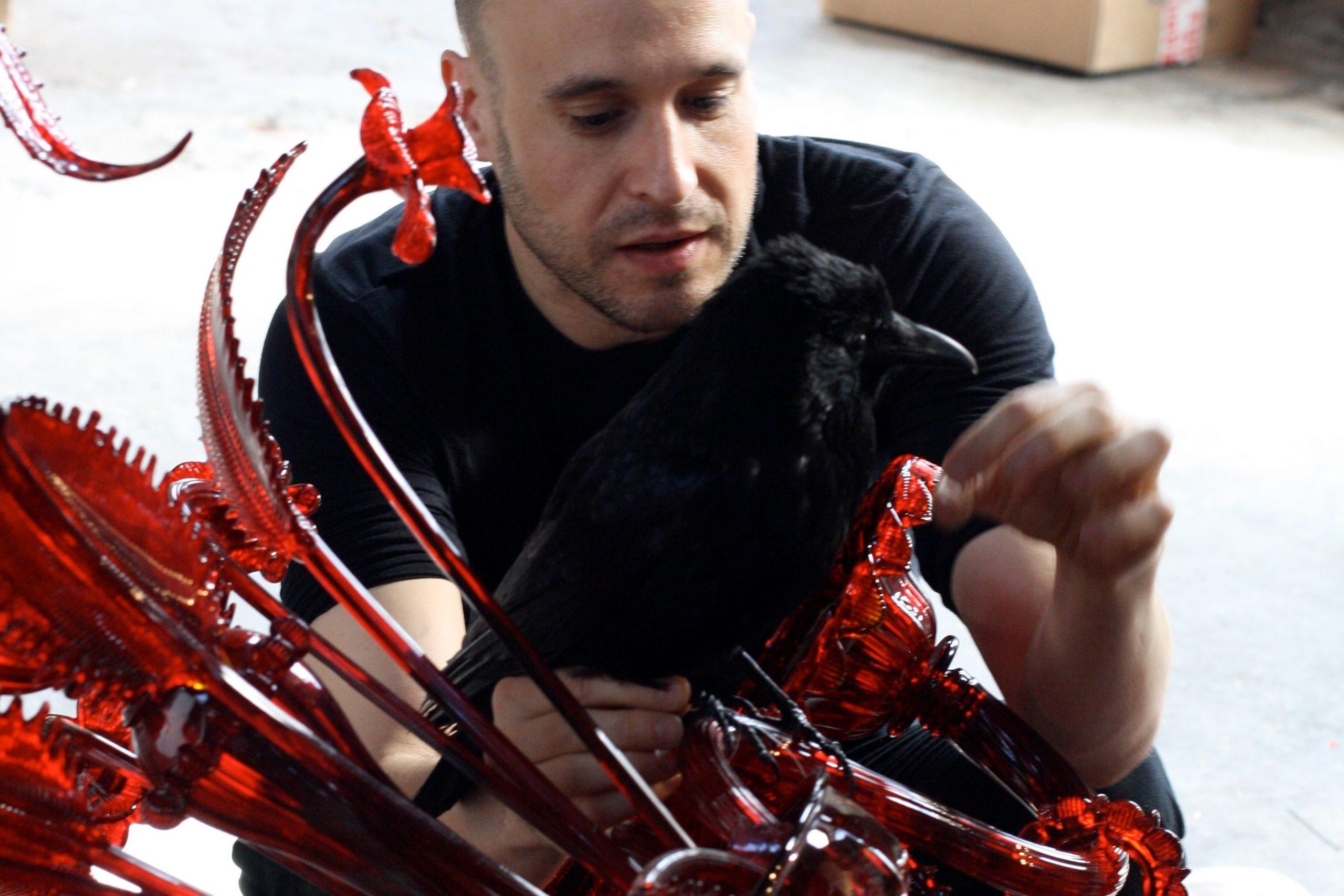 Javier Pérez installing Carroña
