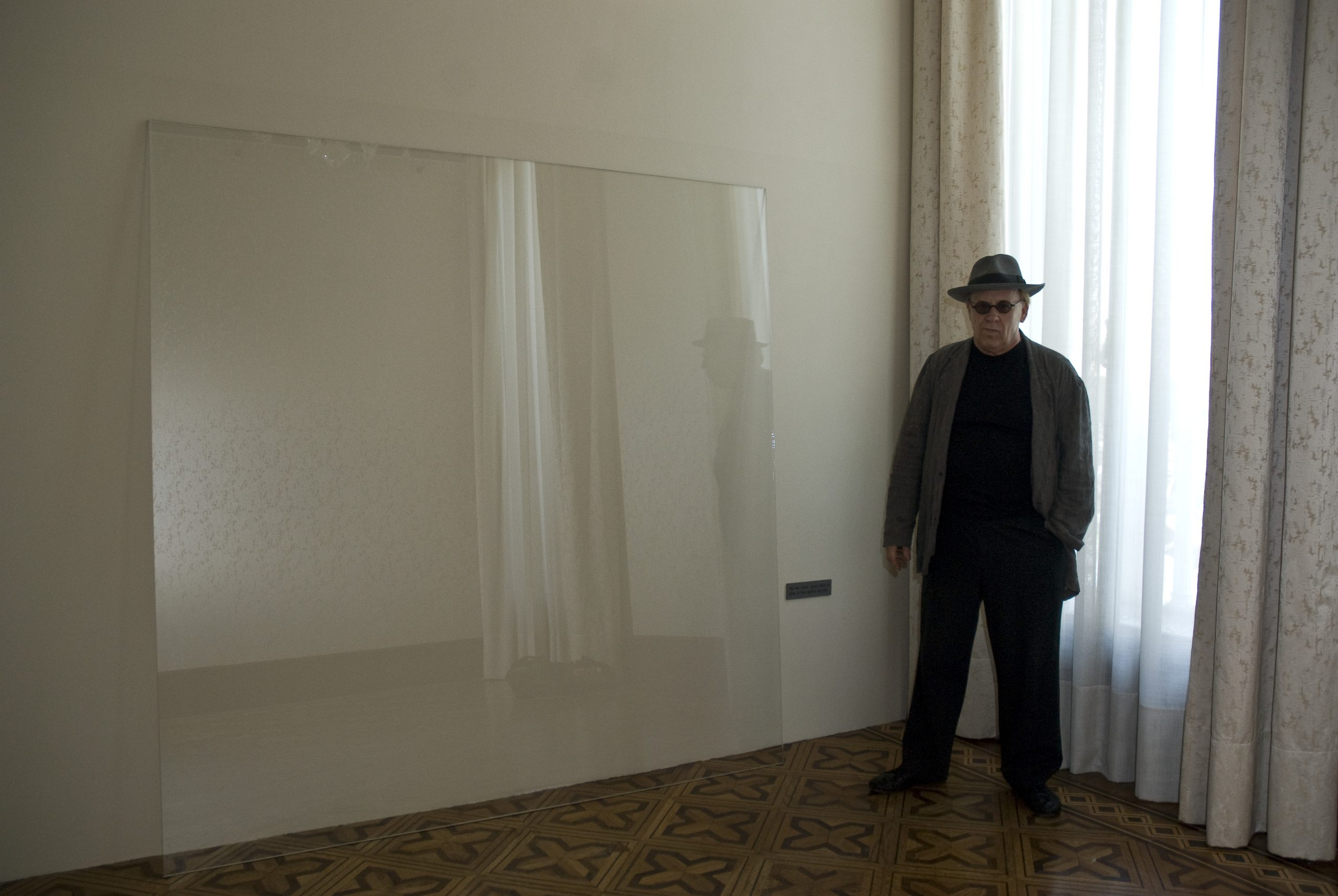 Joseph Kosuth and his work at Glasstress 2009